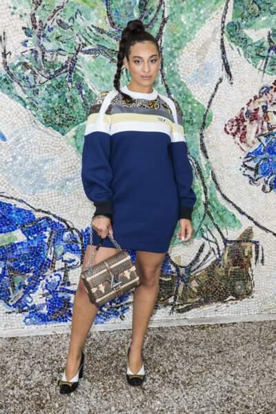 Camélia Jordana canon avec sa tresse XXL faisait partie des invités de Nicolas Ghesquière