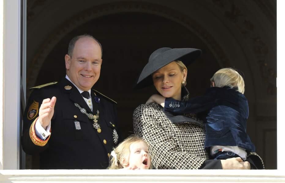 Charlène de Monaco toujours élégante et proche de son fils Jacques