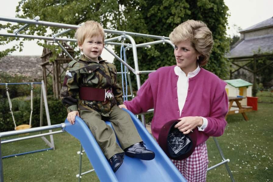 Harry et Diana à Highgrove en 1986