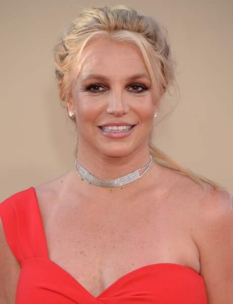 Britney Spears très souriante avant de découvrir le nouveau film de Quentin Tarantino