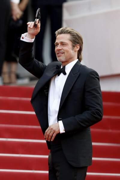 """Brad Pitt, la touche glamour du festival, en costume Brioni, à la première de """"Once upon a time... in Hollywood"""""""