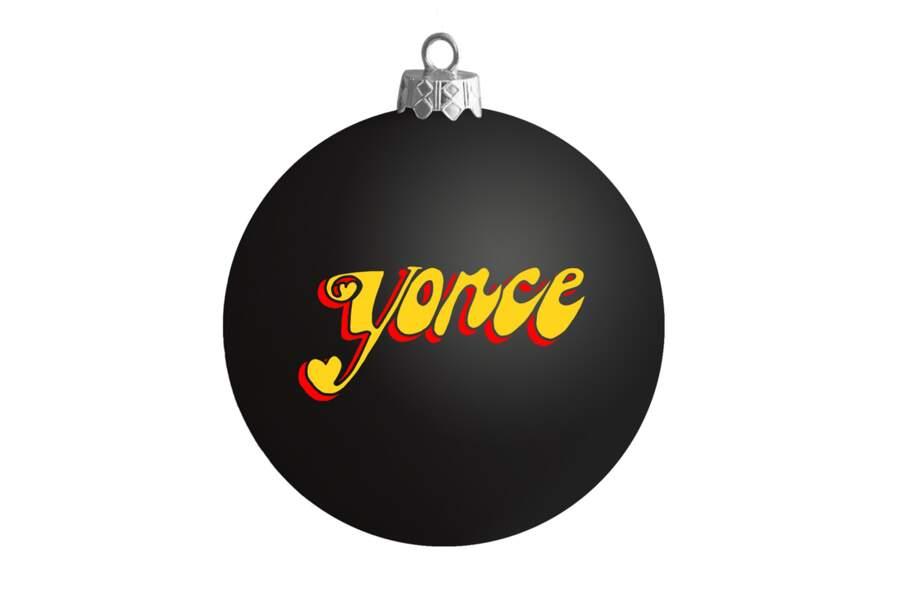 Beyoncé Knowles lance des boules de Noël