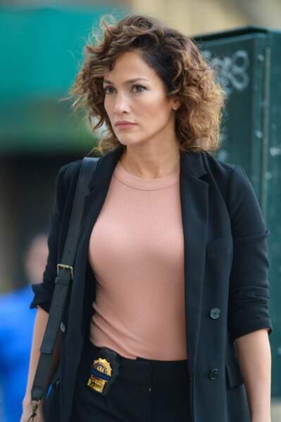 """Jennifer Lopez en détective de la police de New York, dans """"Shades of Blue"""", dès le 7 janvier 2016"""