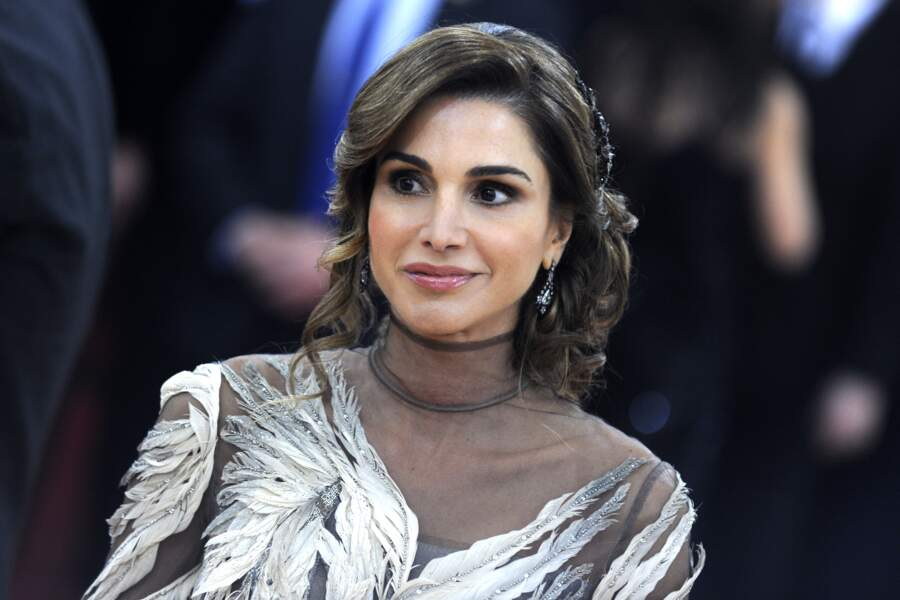 La reine Rania de Jordanie radieuse au Met Gala en 2016