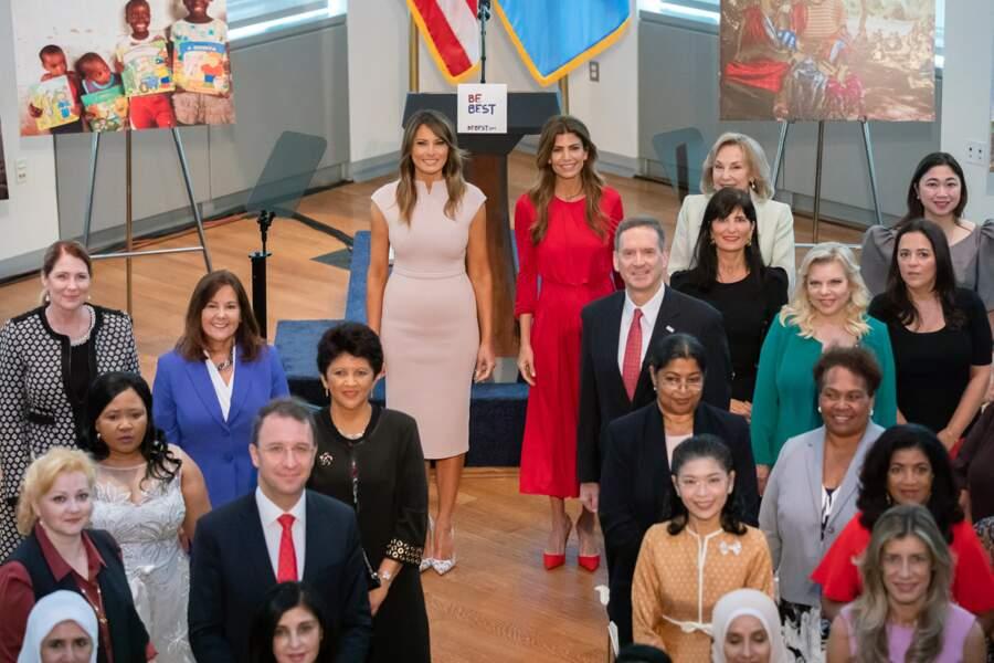 Melania Trump, en robe Scanlan Theodore, au siège de l'ONU à New York le 26 septembre 2018