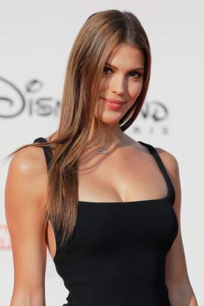 Iris Mittenaere, ex-Miss France et Miss Univers, devenue animatrice sur la première chaîne.
