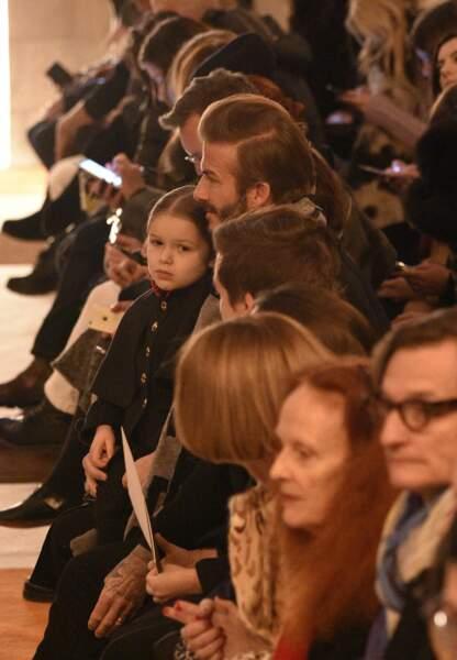 David Beckham, Harper Seven, Cruz, Romeo et Brooklyn au front row du show Victoria Beckham
