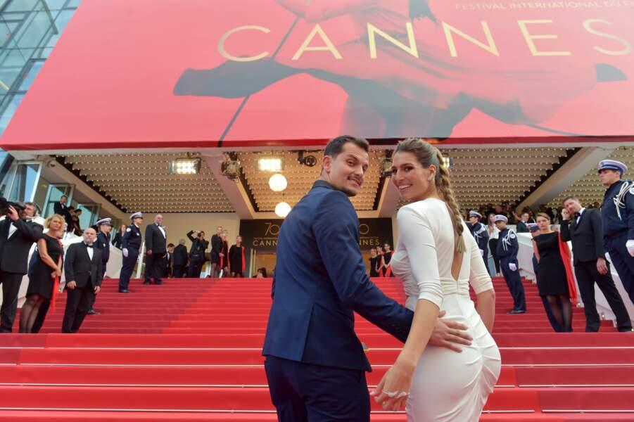 Laury Thilleman et Juan Arbelaez sur les marches de Cannes le 23 mai 2017