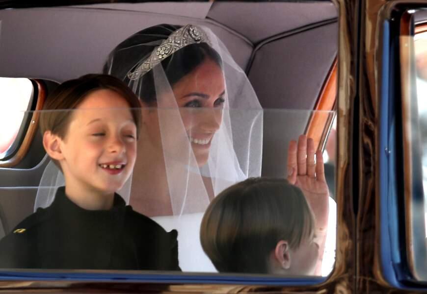 Meghan Markle arrive en la chapelle Saint-George de Windsor