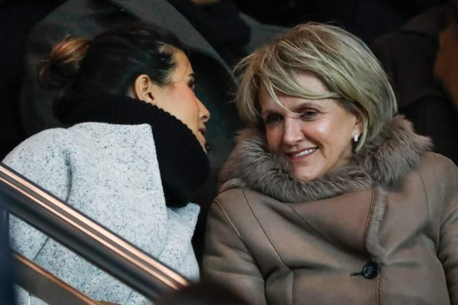 Karine Ferri toujours très complicie avec sa maman