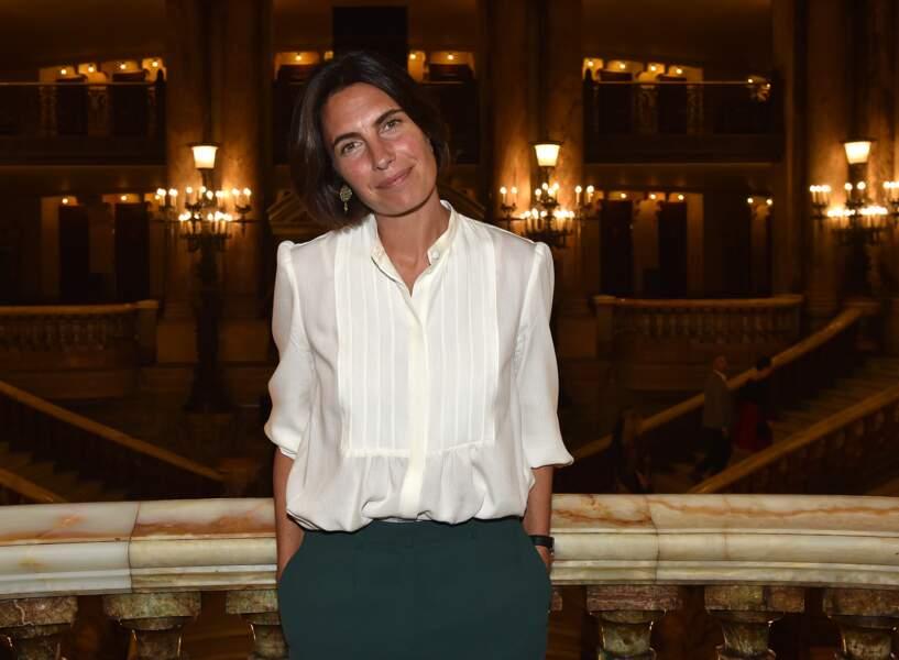 Alessandra Sublet et son carré court classique, au Palais Garnier à Paris, le 4 juin 2018