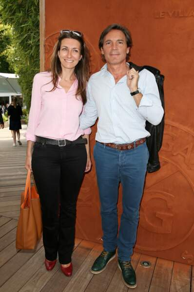 Anne-Claire Coudray prend la pose avec son compagnon à Roland Garros