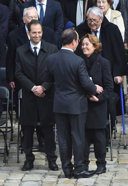 François Hollande auprès de Micheline Pelletier, la veuve d'Alain Decaux