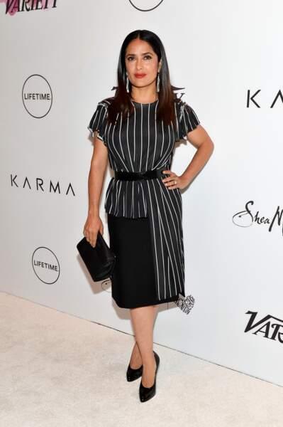 Salma Hayek et ses longueurs brunes ultra raides