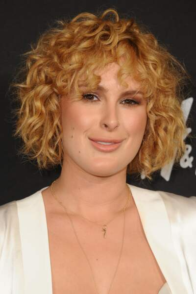 Superbe mise-en-plis sur cheveux courts pour Rumer Willis, la fille de Demi Moore.