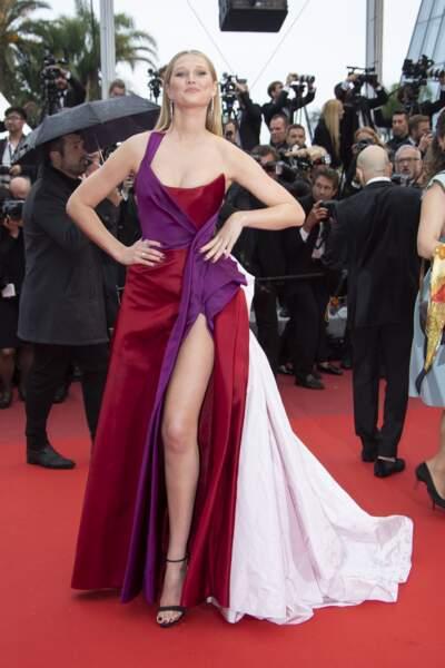 """Toni Garrn a assisté à la projection du nouveau film de Claude Lelouch, """"Les plus belles années d'une vie"""""""