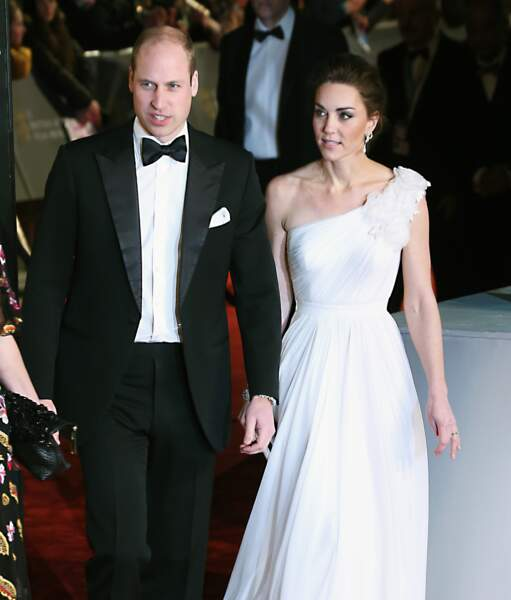 Le prince William et Kate Middleton font leur entrée au Royal Albert Hall de Londres pour assister à la cérémonie.