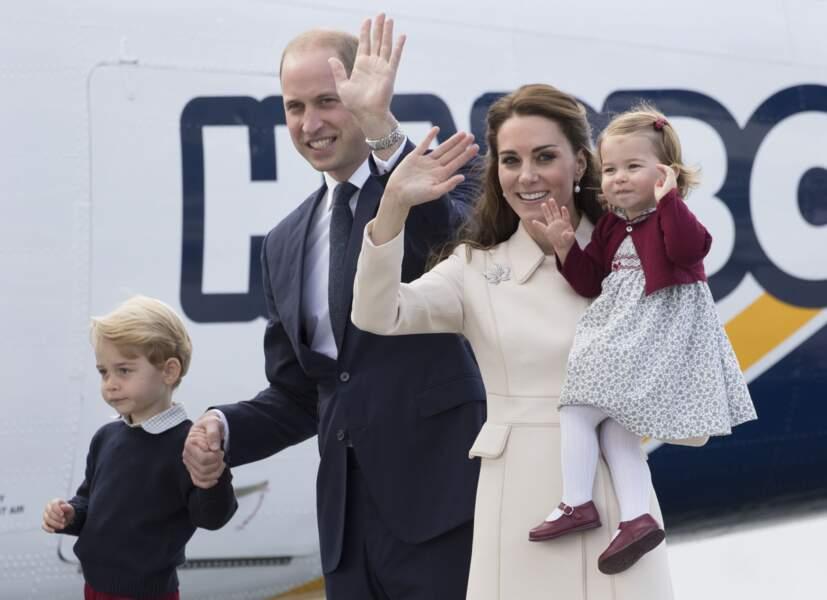 George, William, Kate et Charlotte  à leur départ de Victoria le 1er octobre 2016
