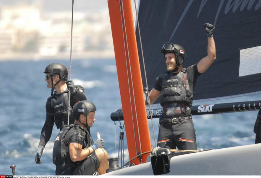 Comme son père Stefano, Pierre Casiraghi pilote un bolide des mers et participe à de nombreuses courses