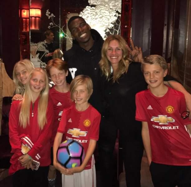 En novembre 2016,  elle fête l'anniversaire de ses jumeaux Hazel et Finn avec le footballeur français Paul Pogba