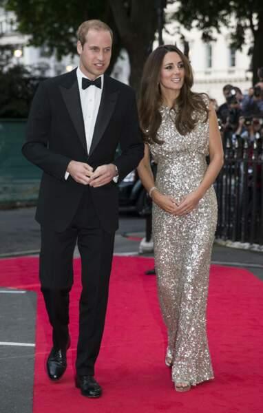 William et Kate, sublime dans une robe scintillante Jenny Packham, lors d'un gala à Londres, le 12 septembre 2013