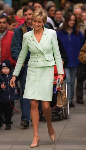 Tailleur amande pour la princesse de Galles