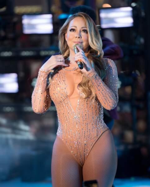 En décembre 2016 à Times Square, malgré une tenue très claquante c'est sa prestation ratée qui reste en mémoire