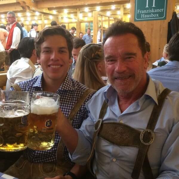 """Arnold Schwarzenegger et son fils Joseph, né de sa liaison avec Mildred """"Patty"""" Baena"""