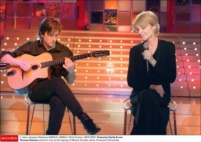Jacques Dutronc et Françoise Hardy en duo sur le plateau de Vivement dimanche, avec Michel Drucker. En 2001.