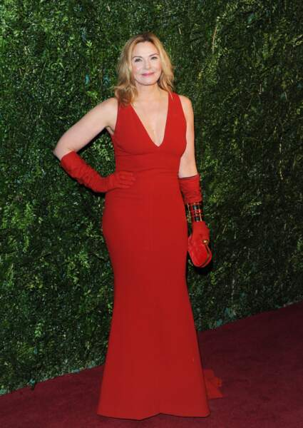 """L'actrice Kim Cattrall (62 ans) alias Samantha Jones dans la série """"Sex and The City"""", à Londres en 2014"""