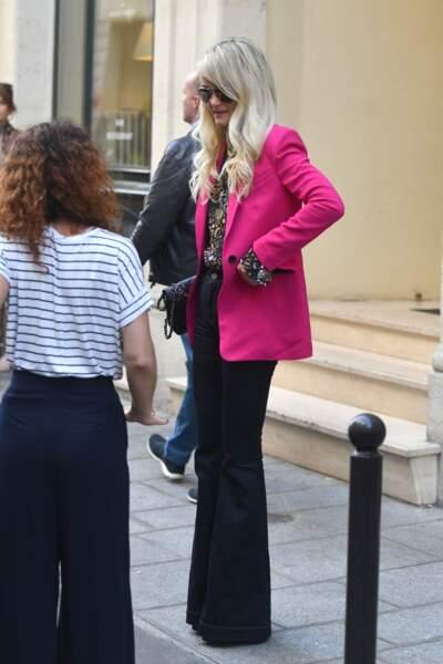 Laeticia Hallyday arrive chez Joia, le nouveau restaurant d'Helene Darroze