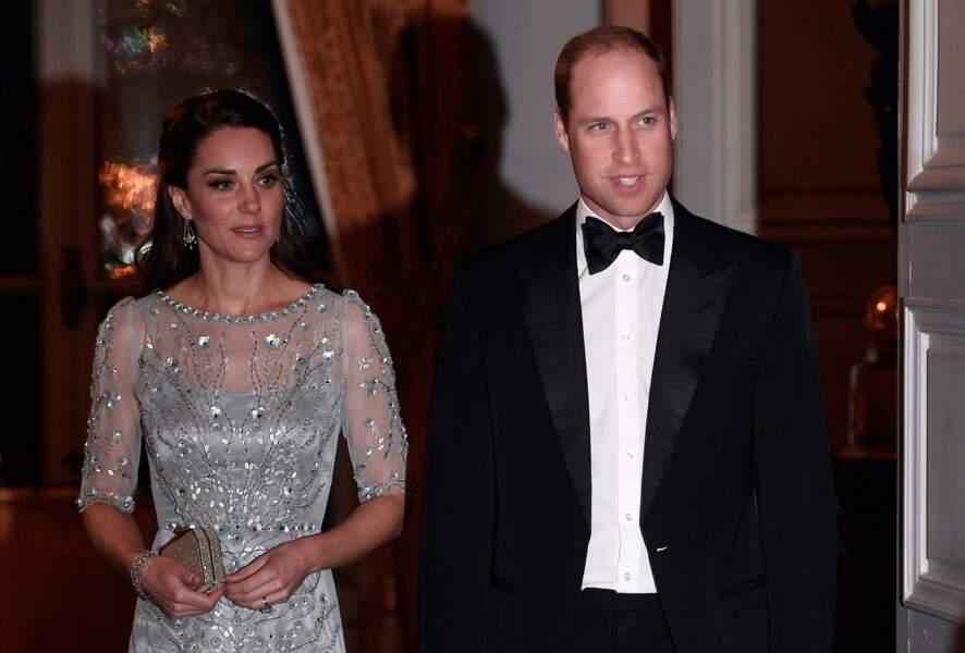 Dress code glamour pour le couple princier