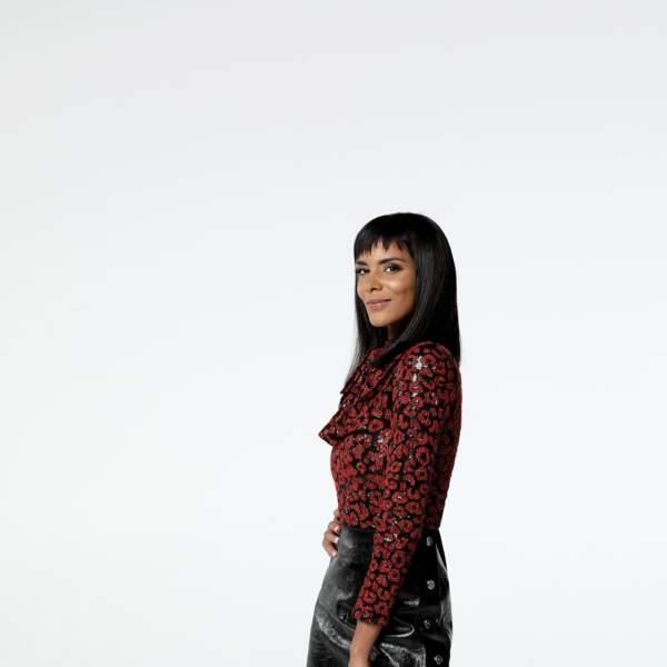 """Cheveux mi-longs lissés et frange effilée : Shy'm resplendit dans le jury de """"Danse avec les Stars"""" sur TF1 en 2018"""