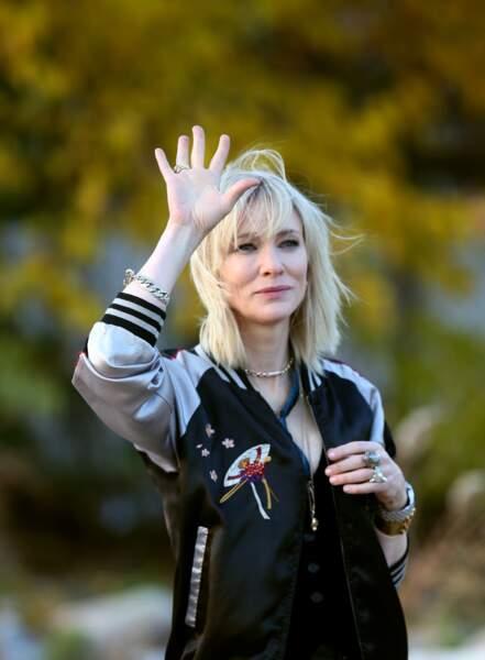 Cate Blanchett en blond polaire so chic