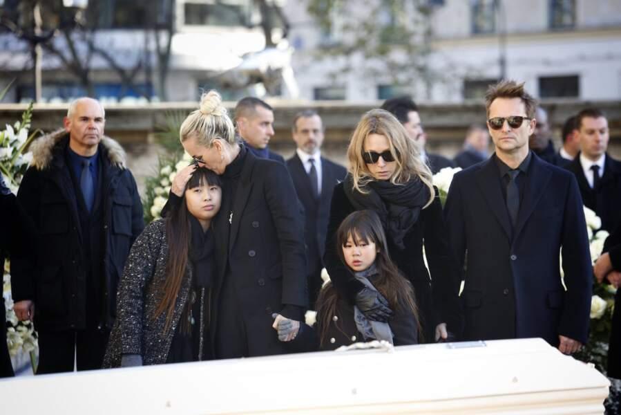 Le clan Hallyday à la Madeleine, le 9 décembre 2017.