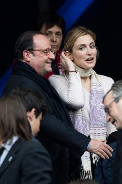 François Hollande et Julie Gayet assistent au tournoi des six nations de rugby