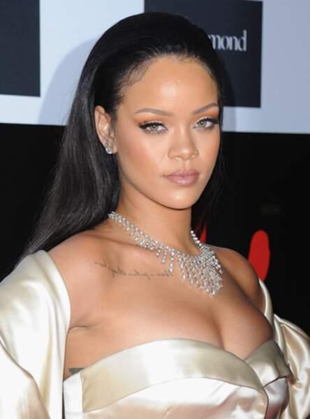 Un fard orangé comme Rihanna