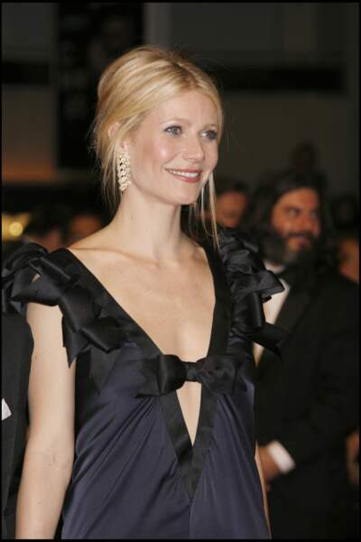 Le chignon rétro crêpé de Gwyneth Paltrow apporte un effet volume