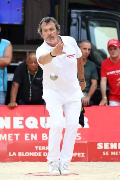 Jean-Luc Reichmann avait l'air très concentré au moment de jouer