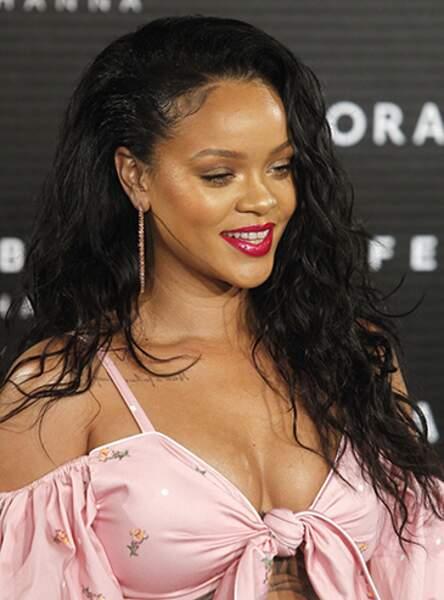 Rihanna et ses boucles folles