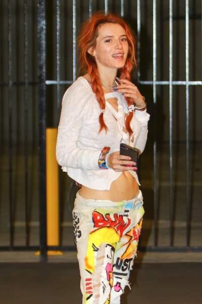 """L'actrice et chanteuse américaine, Bella Thorne a déjà subit de """"l'acné bashing"""" sur les réseaux sociaux."""