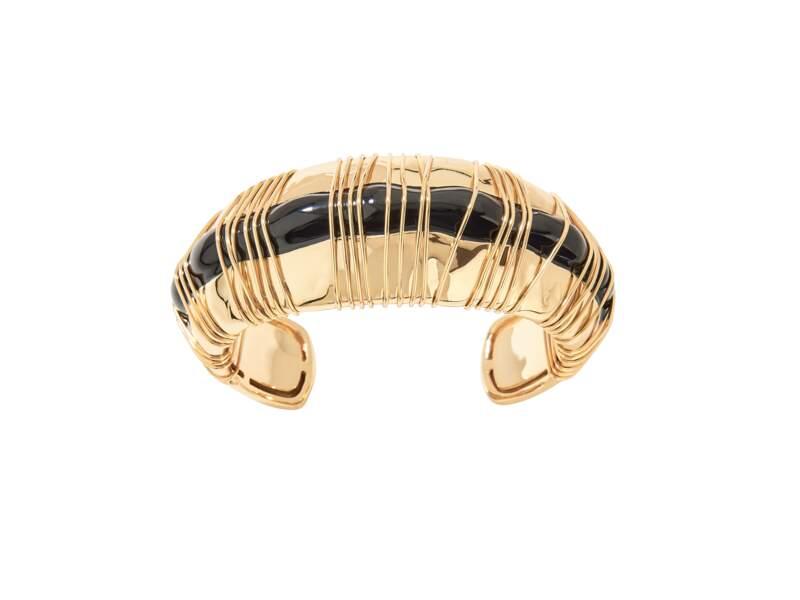 Bracelet recouvert d'or et onyx, 450 €, Aurélie Bidermann.