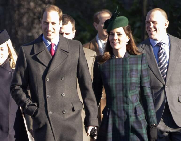 William et Kate arrivent main dans la main à la messe de Noël de Sandringham, le 25 décembre 2013