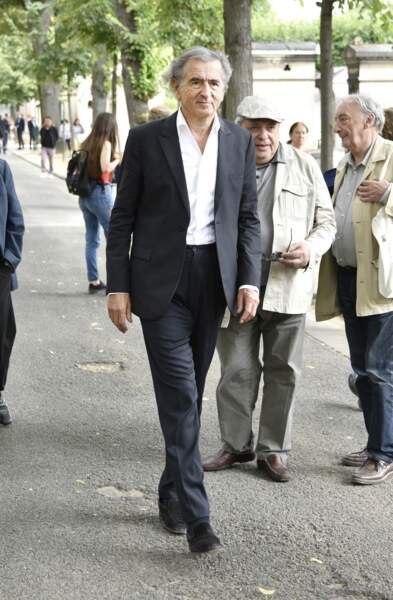 Bernard-Henri Lévy, arrivant à l'enterrement de Claude Lanzmann le 12 juillet au cimetière de Montparnasse