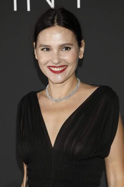 Virginie Ledoyen tout sourire