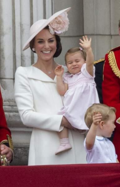 """Kate et Charlotte au balcon lors de la cérémonie """"Trooping the Colour"""", le 11 juin 2016"""