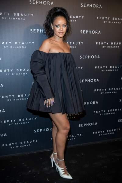 """Rihanna à la soirée """"Fenty Beauty by Rihanna"""" aux Jardins des Tuileries à Paris, le 21 septembre 2017"""