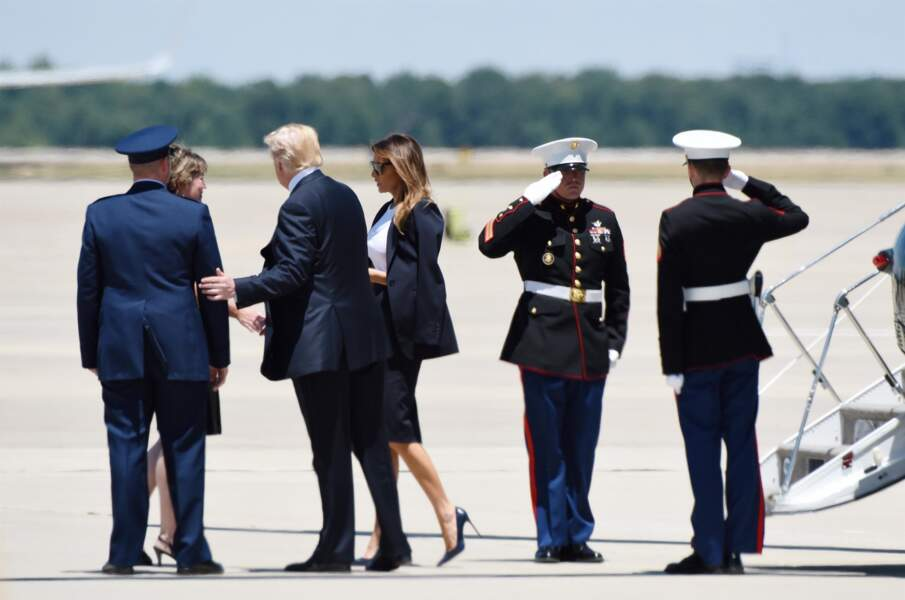 Le couple revient des obsèques de l'un des membres chargés de la sécurité du président