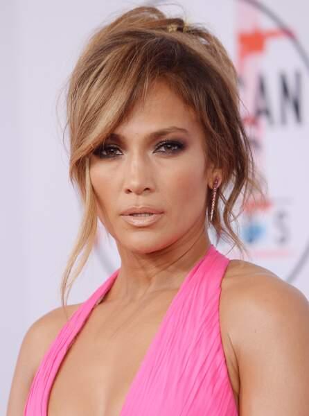 J Lo et son maquillage jeunesse: glowy et frais