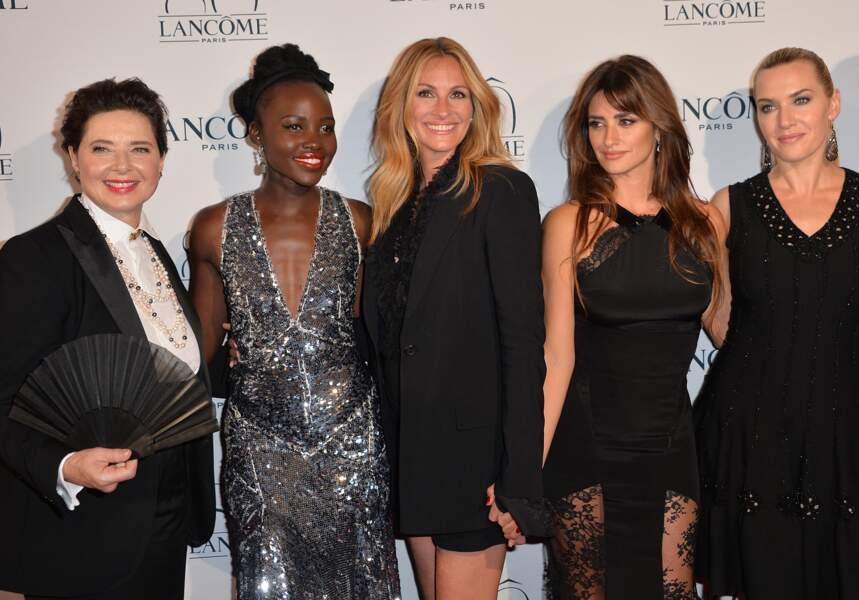 Avec les égéries Lancôme Isabella Rossellini, Lupita Nyong'o, Penélope Cruz et Kate Winslet à Paris en 2015